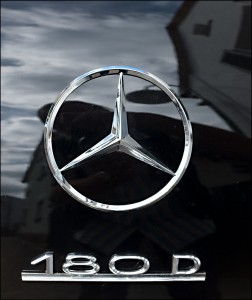 Mercedes 180 D Ponton