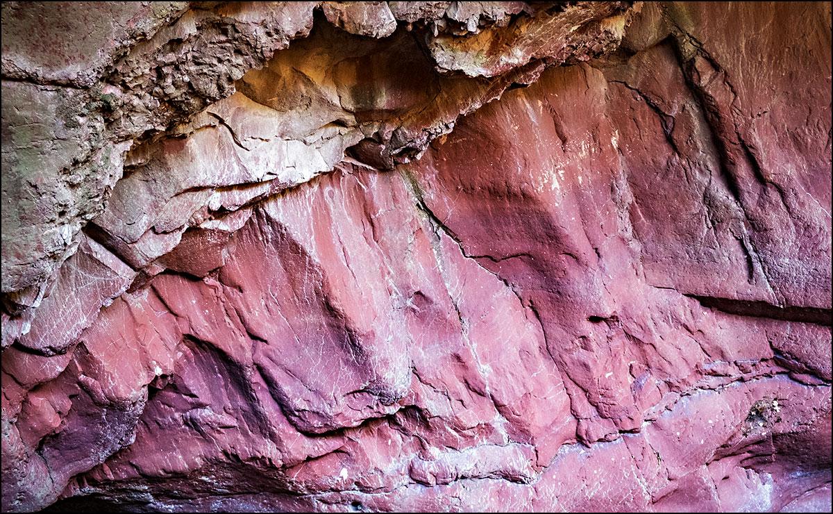rot bis magentafarben