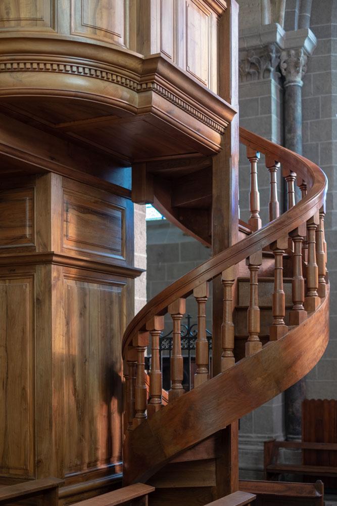 Wendeltreppe zur Orgel